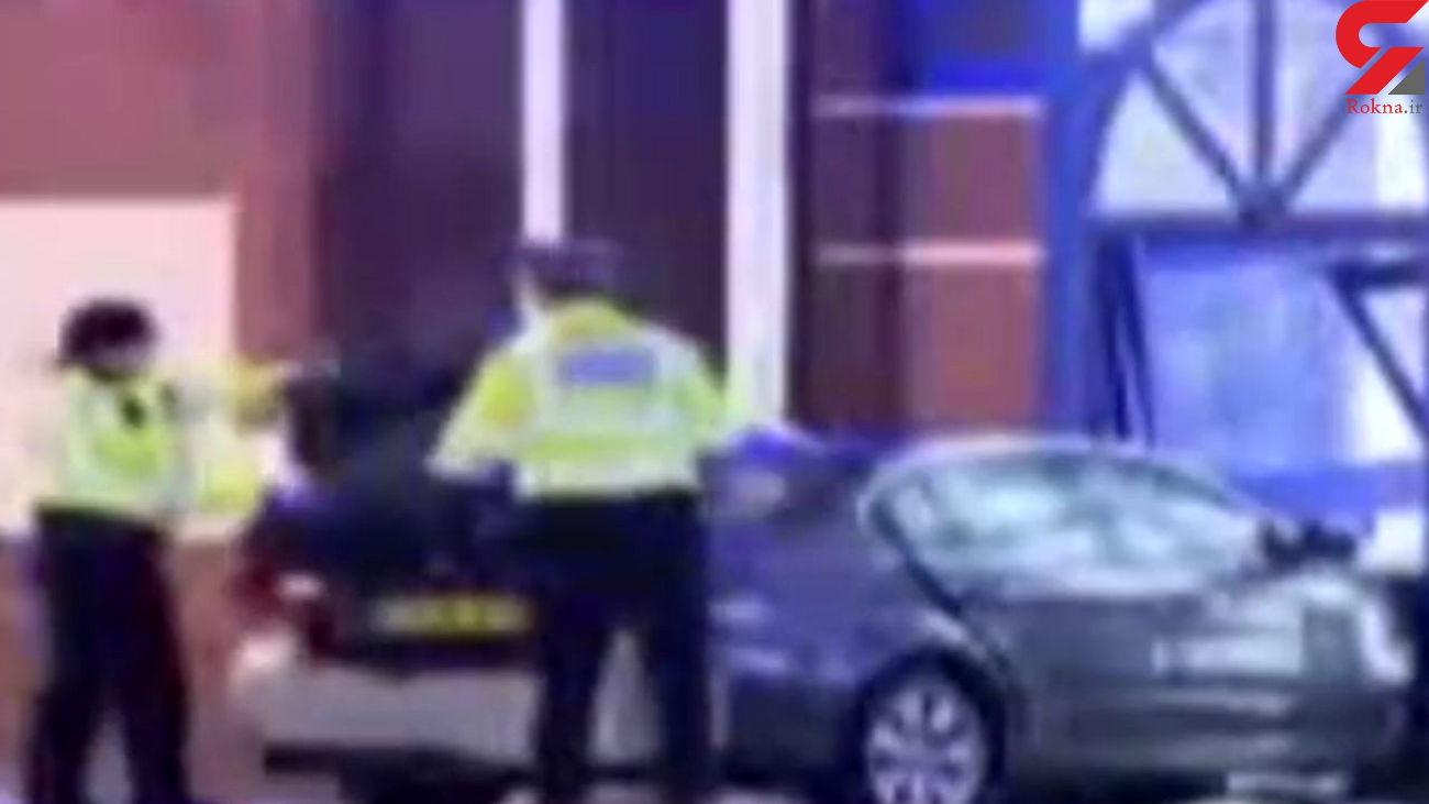 تصادف یک خودرو با پاسگاه پلیس / راننده می خواست خودرو را به آتش بکشد + فیلم