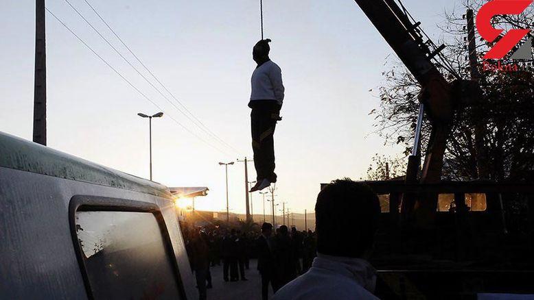 اولین عکس از اعدام مرد پلید در جهرم / صبح امروز در ملاء عام اجرا شد