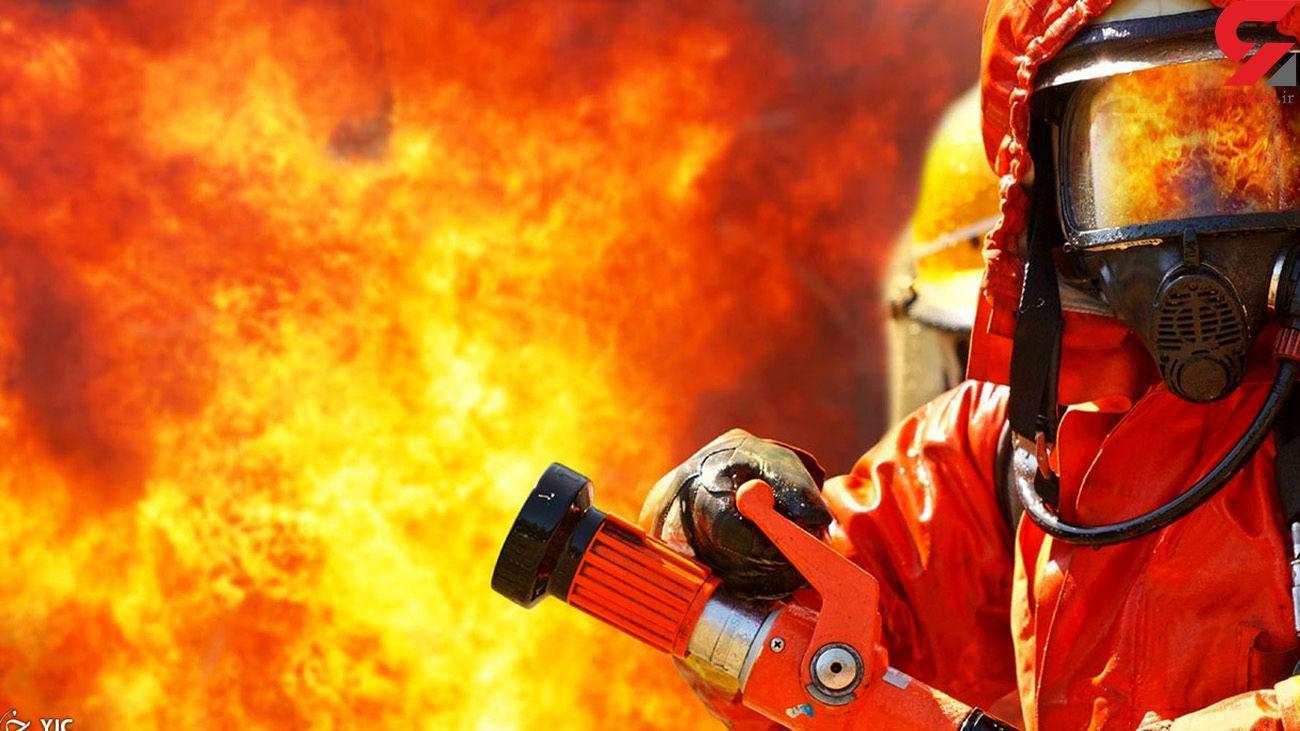 بی احتیاطی کامیون حمل بار را در مهاباد به آتش کشاند