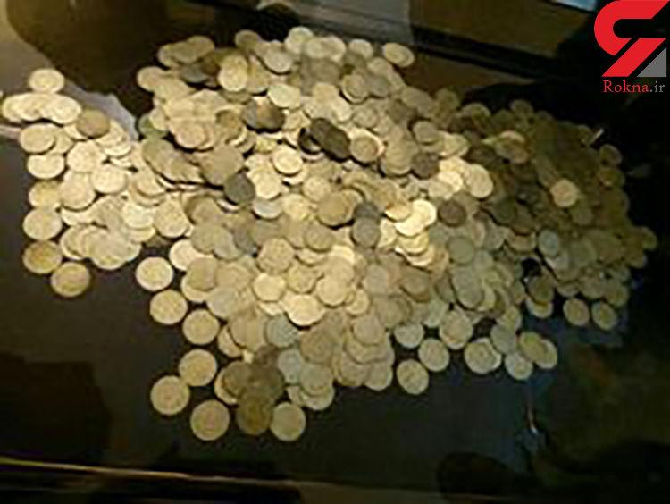 کشف بیش از 2 هزار سکه عتیقه در مشهد / 5 متهم دستگیر شدند