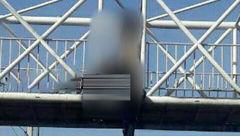 خودکشی زن جوان در آستارا از روی پل هوایی + عکس