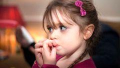 ناخن جویدن کودکان نشانه چه اختلالی است؟