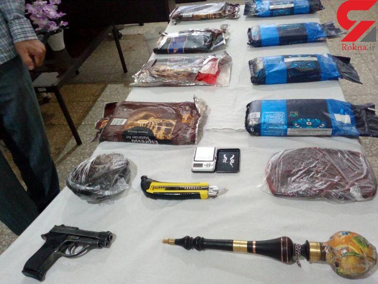 کشف مواد مخدر و اشیاء عتیقه از یک قاچاقچی در کنگاور