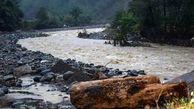 طغیان رودخانه شریفی مسیر تردد بشاگرد به میناب را مسدود کرد