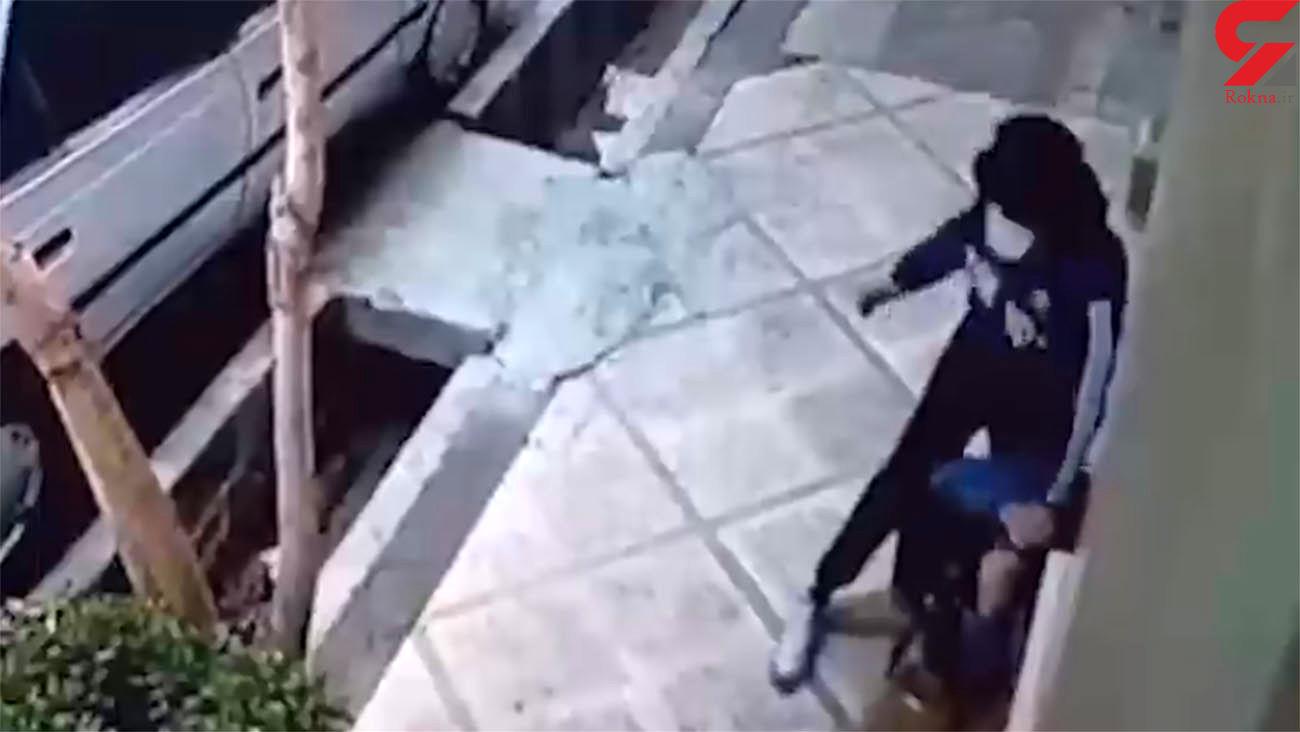 فیلم هولناک از لحظه چاقو چاقو شدن یک جوان در تهرانپارس