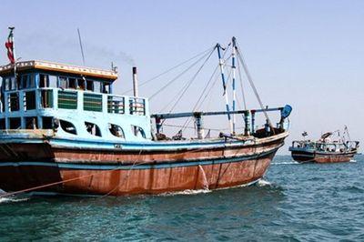 توقیف لنج حامل کالای قاچاق در پارسیان