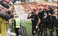 مشروب خوری بازیکن ایتالیایی در شادی پس از گل + عکس
