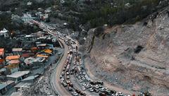 ترافیک سنگین در آزادراههای قزوین-کرج و کرج-تهران/ مه گرفتگی و بارش باران در استانهای شمالی
