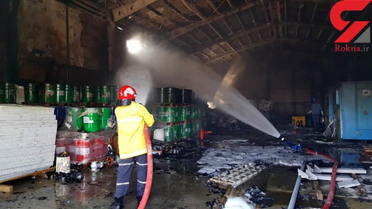 آتشسوزی در انبار ضایعات شرکت پتروکیمیای ابن سینا + تصاویر