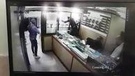 100 ثانیه و سرقت 8 کیلو طلا در اسلامشهر / یکی از دزدان ترسیده بود + فیلم گفتگوی اختصاصی