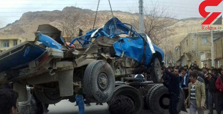 تصادف نیسان با کامیون قربانی گرفت
