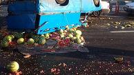واژگونی نیسان با بار میوه در تهران