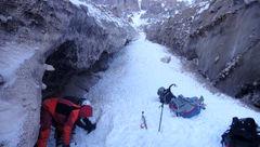 ۷ زن و مرد در کولاک برف کوهرنگ ناپدید شدند