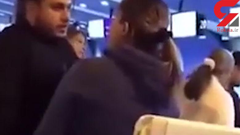زن جوان مچ شوهرش در فرودگاه گرفت / این مرد با یک زن دیگر قصد سفر به خارج را داشت + فیلم