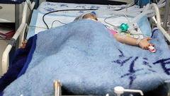 فقط یکسال زندان برای پدری که یسناکوچولو را چاقو چاقو کرد / در هرمزگان رخ داد + عکس پسربچه