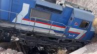 حادثه در قطار اصفهان صبح امروز / لکوموتیوران بیرون پرید + عکس