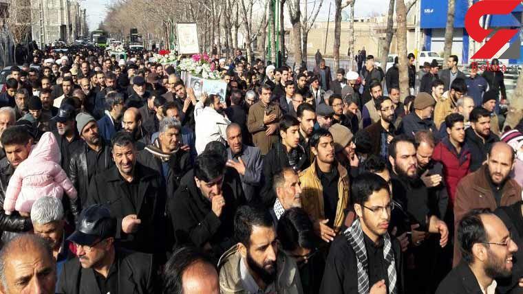 تشییع پیکر 3 شهید دفاع مقدس در اصفهان+ عکس
