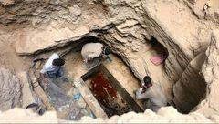 راز مایع قرمزرنگ در مقبره باستانی در اسکندریه / این مایع حیات بخش است؟ + عکس