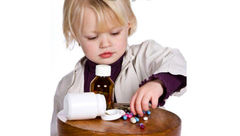 هرگز به کودکان نگویید این دارو شیرینی است!