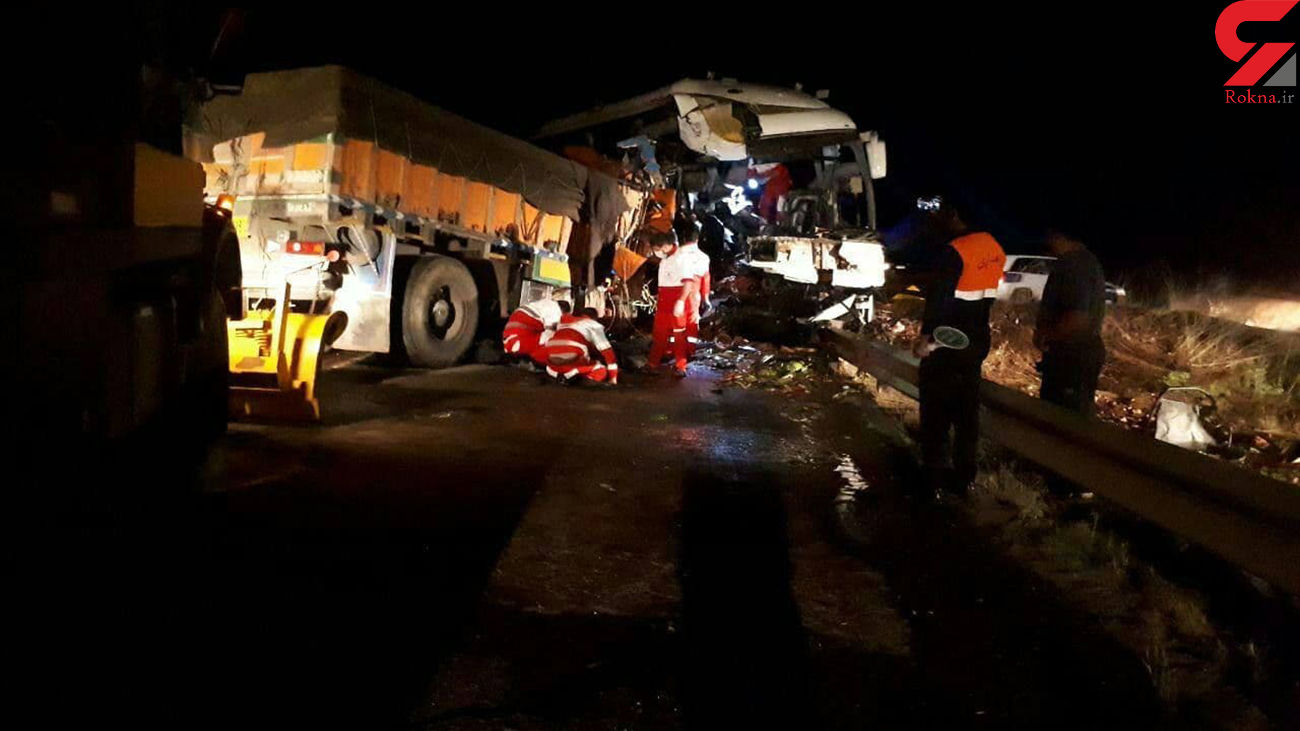 تصادف خونین اتوبوس مسافربری و کامیون در اردبیل / صبح امروز رخ داد + عکس